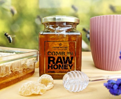 Comb in Raw Honey 370g